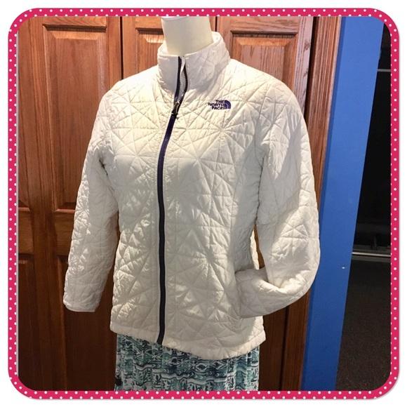 634b600c7ed8 ... Off white thin insulated coat. M 5bfd9e8d3e0caa4473ffb988